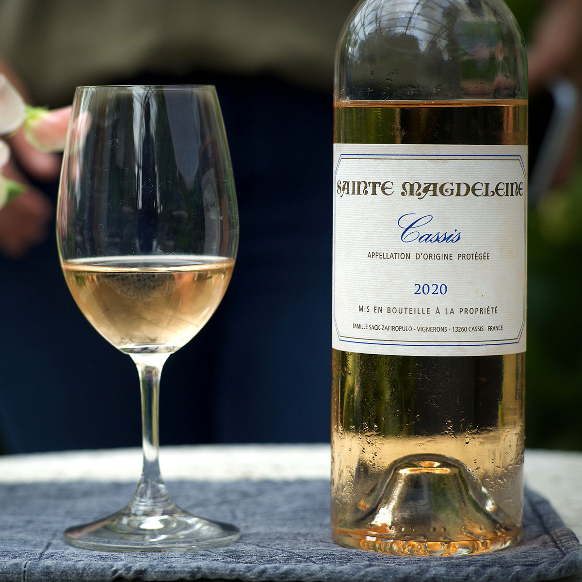 Cassis: Clos Sainte Magdeleine Rosé 2020  - Lifestyle