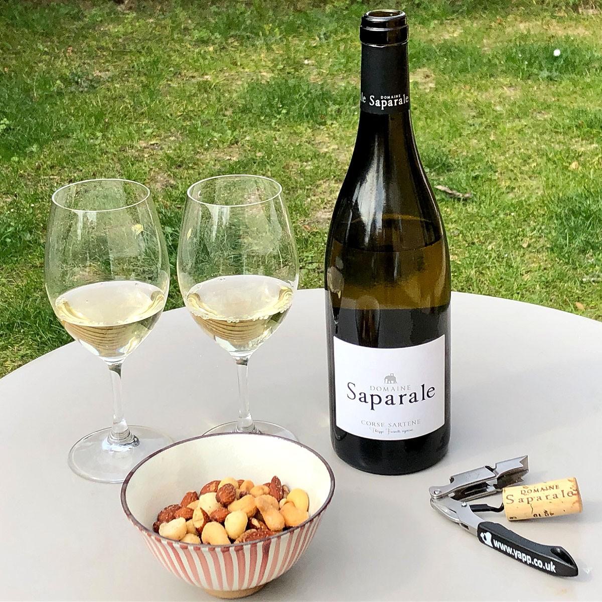 Vin de Corse Sartène Blanc: Domaine Saparale 2020 - Lifestyle
