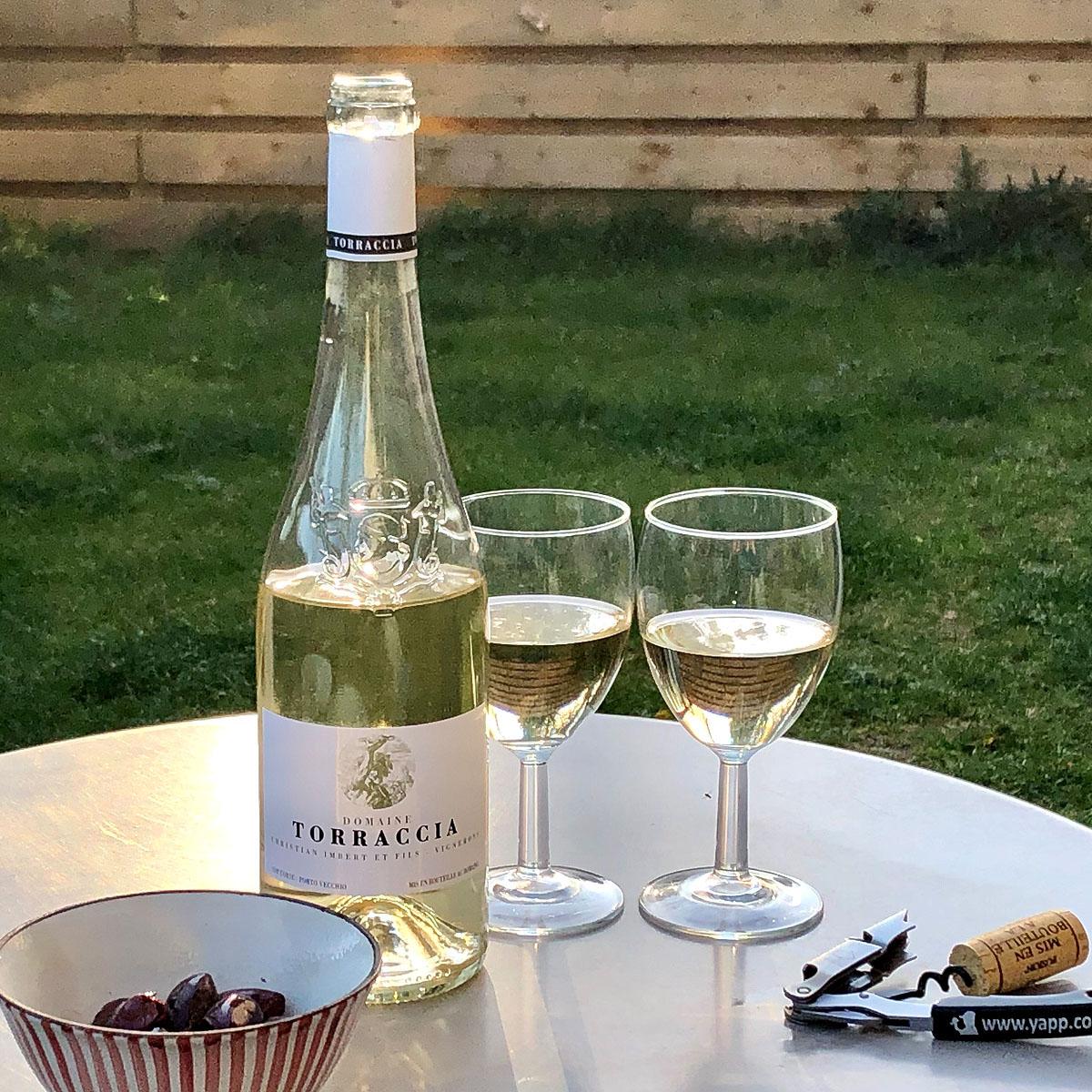 Vin de Corse Porto Vecchio: Domaine de Torraccia Blanc 2020 - Lifestyle