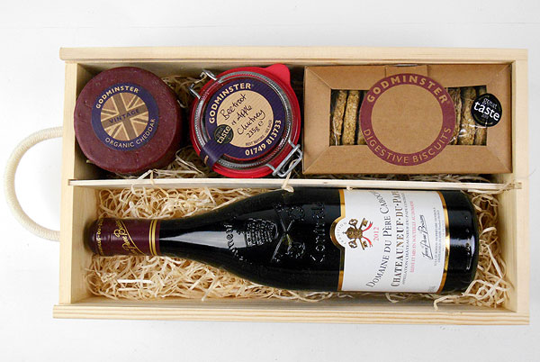 chateauneuf and cheddar gift box