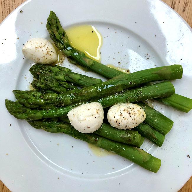 asparagus mozarella olive oil
