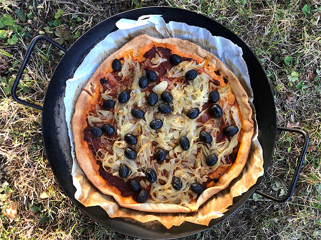 Onion, Olive, Anchovy and Sun-dried Tomato Paste Tart
